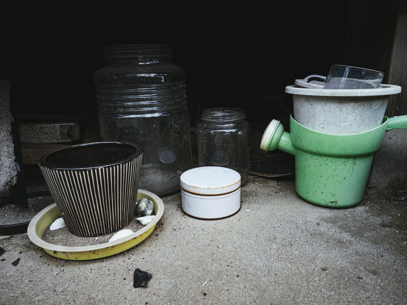 「放置された鉢植え」の写真