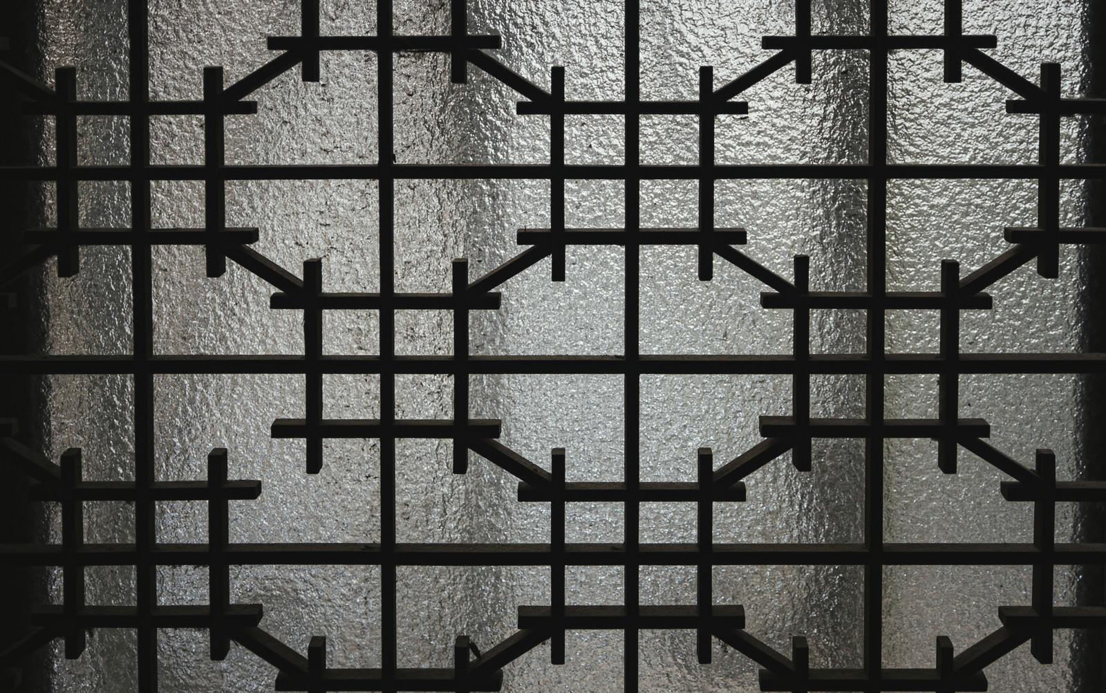 「くもりガラスとレトロな模様(テクスチャ)」の写真
