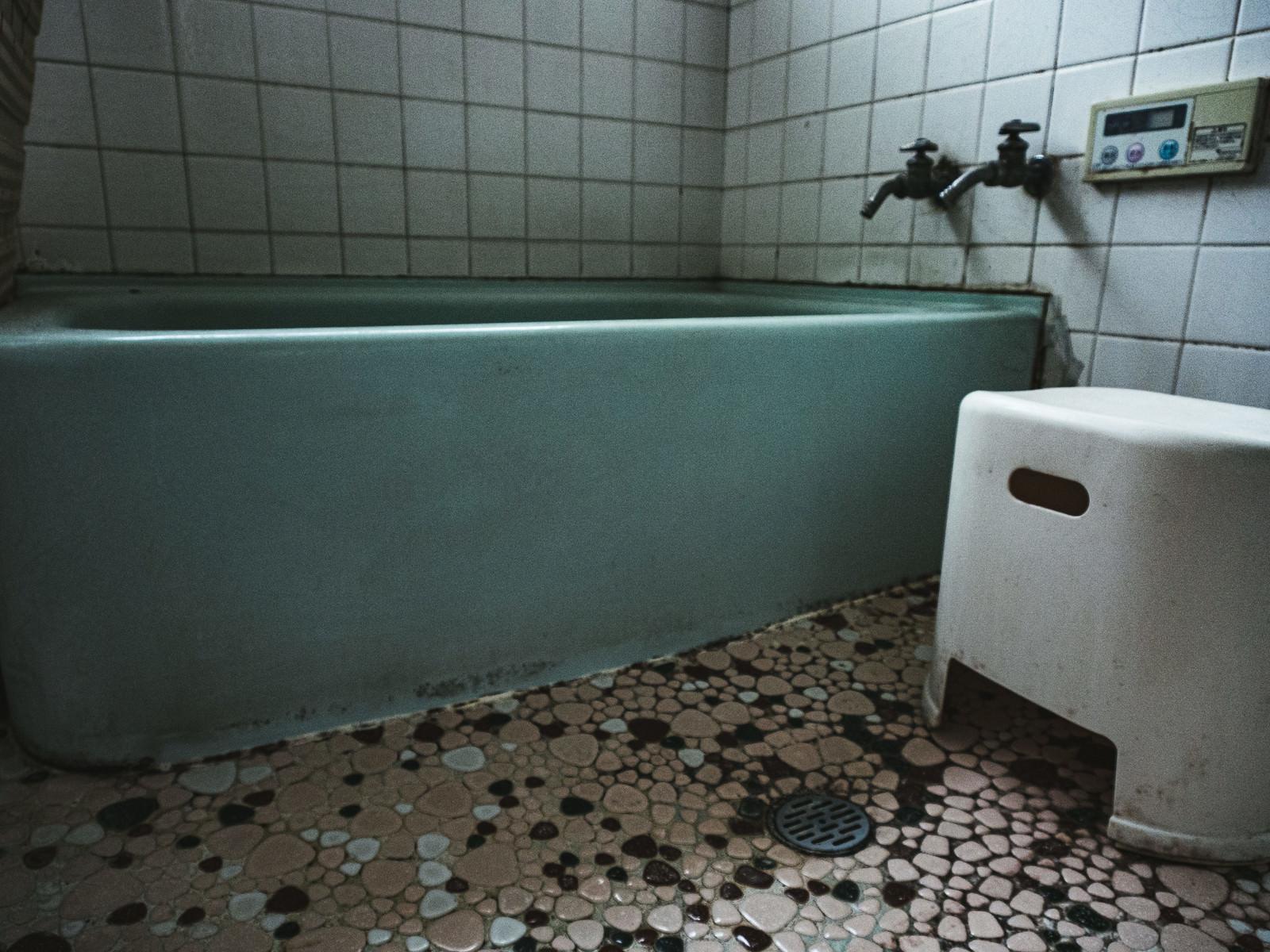 「汚れた浴室」の写真