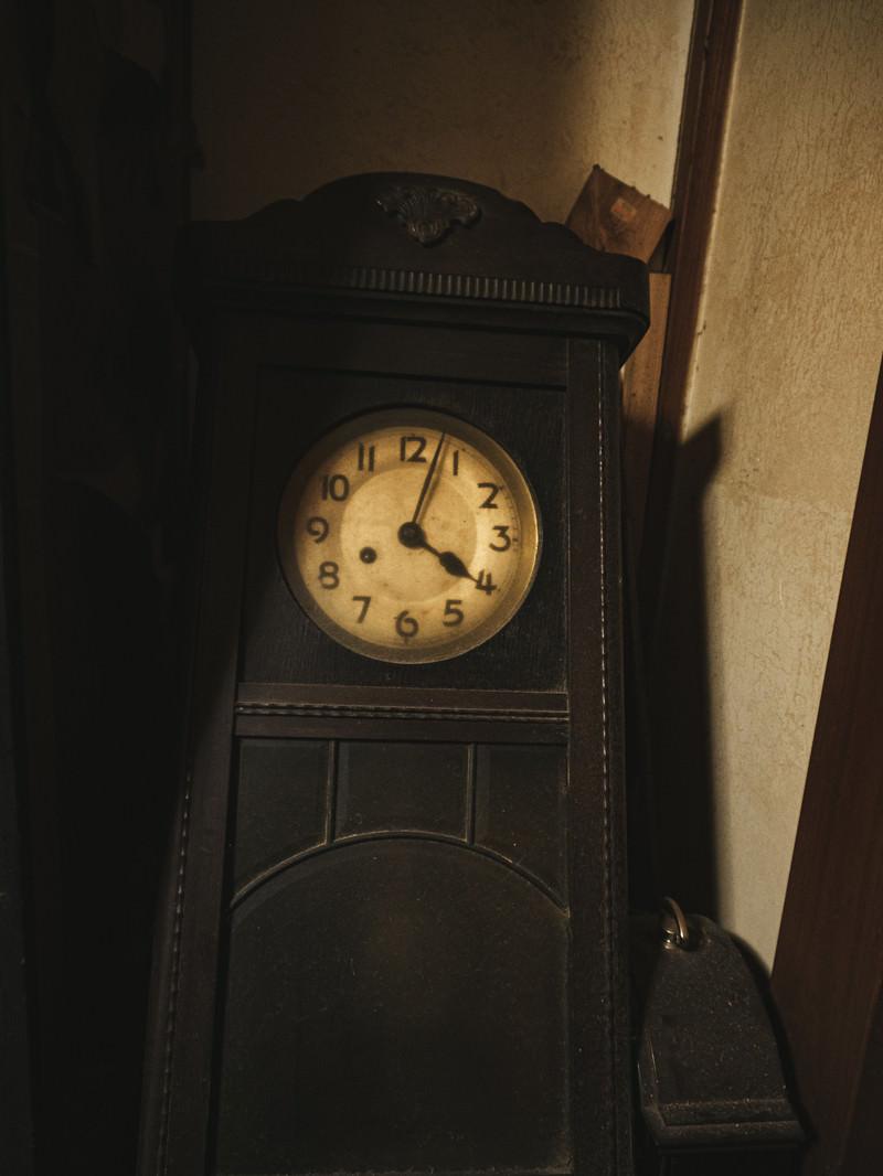 「レトロな古時計」の写真