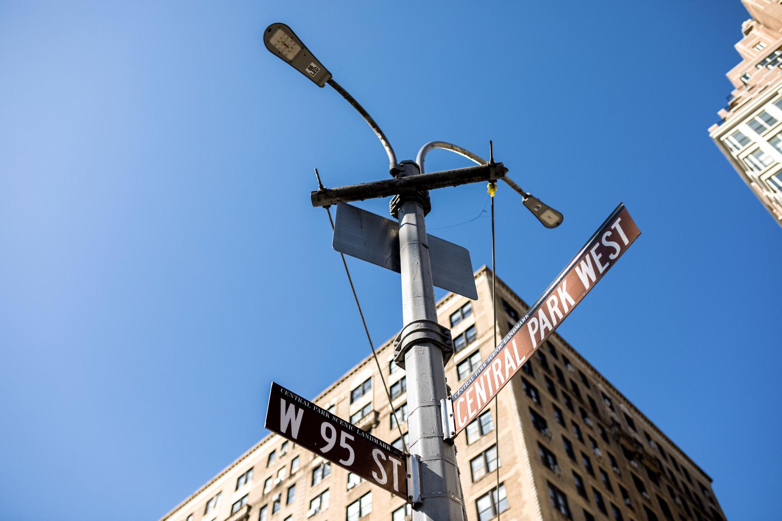 「ニューヨークの空と指導標」の写真
