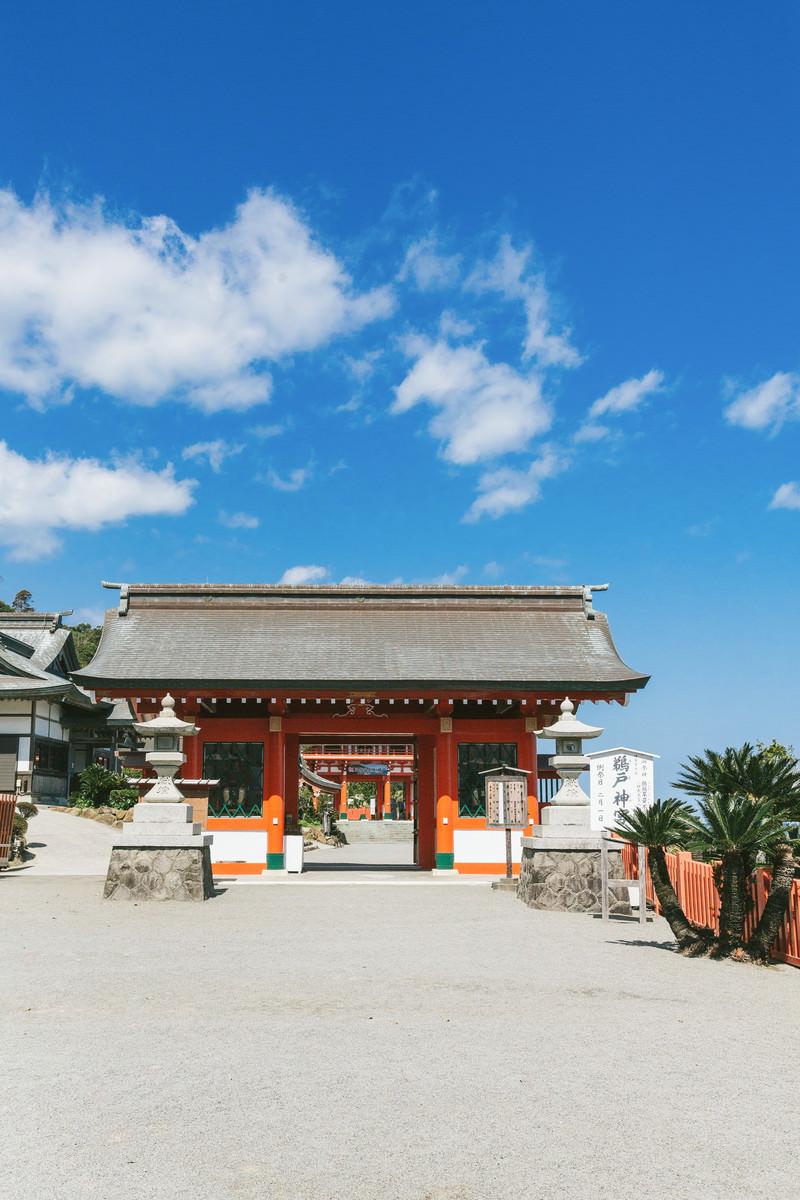 「鵜戸神宮の神門」の写真