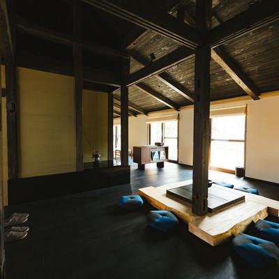 「囲炉裏ある伝統的な古民家[季楽 飫肥(合屋邸)]」の写真素材