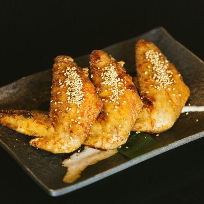 「みやざき地頭鶏の大きな手羽先」の写真素材