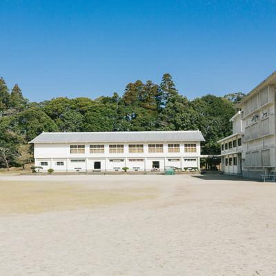 飫肥城小学校体育館の写真