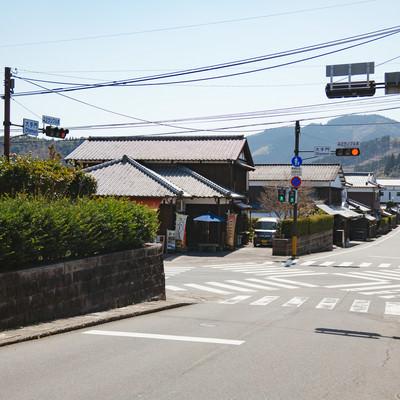「小さなスクランブル交差点(宮崎県日南市の大手門交差点)」の写真素材