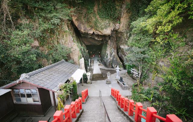 独特の雰囲気を醸し出す祇園神社(日南市)の写真