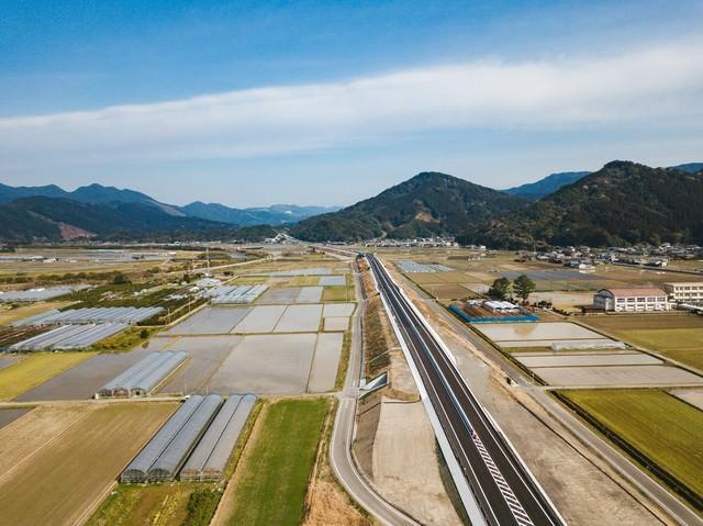 開通して2日目の東九州自動車道(日南東郷~日南北郷)の写真