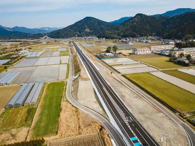全線開通を心待ちにする東九州自動車道の写真