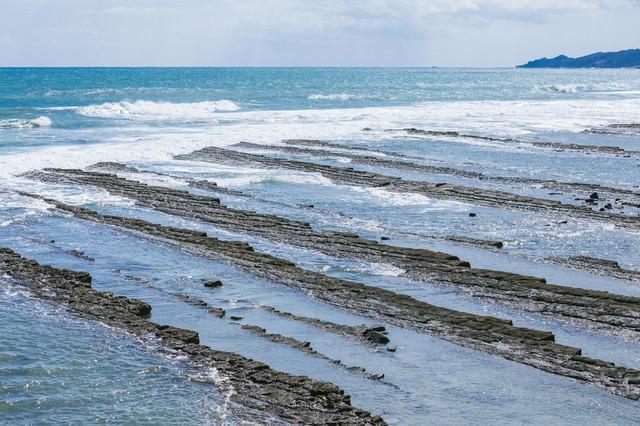 日南海岸名物「鬼の洗濯岩(波状岩)」の写真