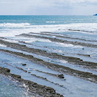 「日南海岸名物「鬼の洗濯岩(波状岩)」」の写真素材