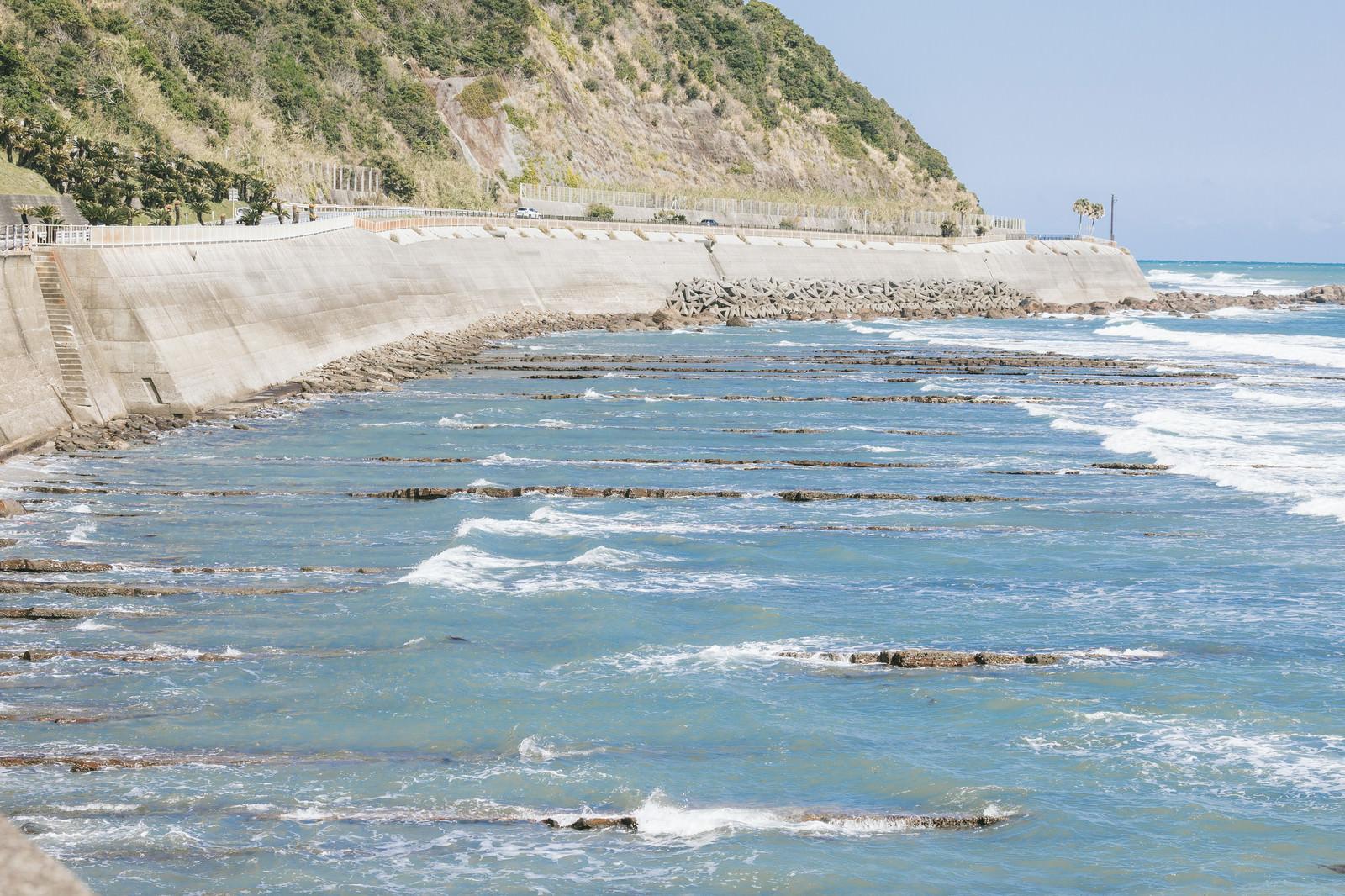「砂岩と泥岩のミルフィーユ風「鬼の洗濯岩」」の写真