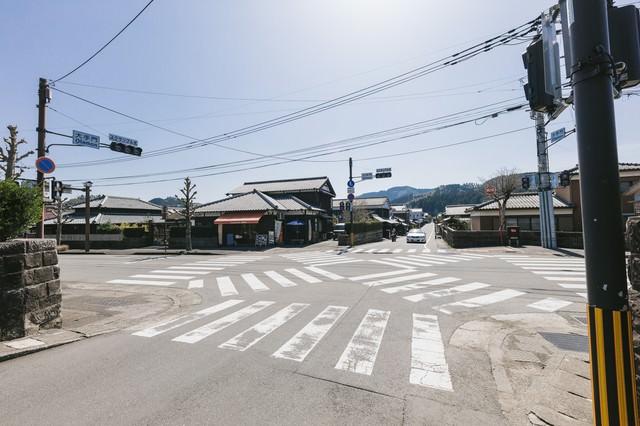 人がいない大手門のスクランブル交差点(宮崎県日南市)の写真