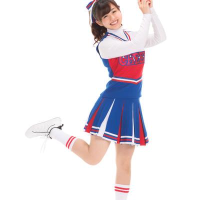 「ドカンと一発やってみよう!と踊るチアガール」の写真素材