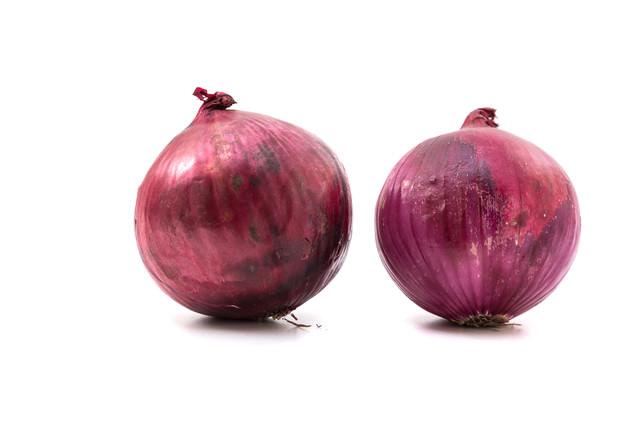 紫玉葱2個の写真