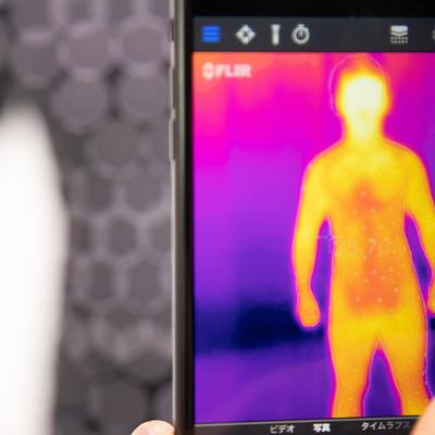 スマートフォン用サーモグラフィーカメラの写真