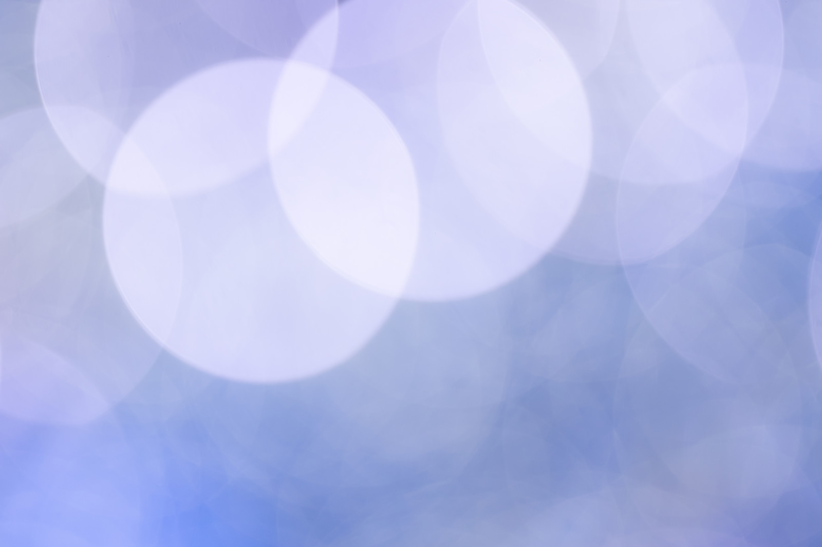 「青白い丸ボケ」の写真