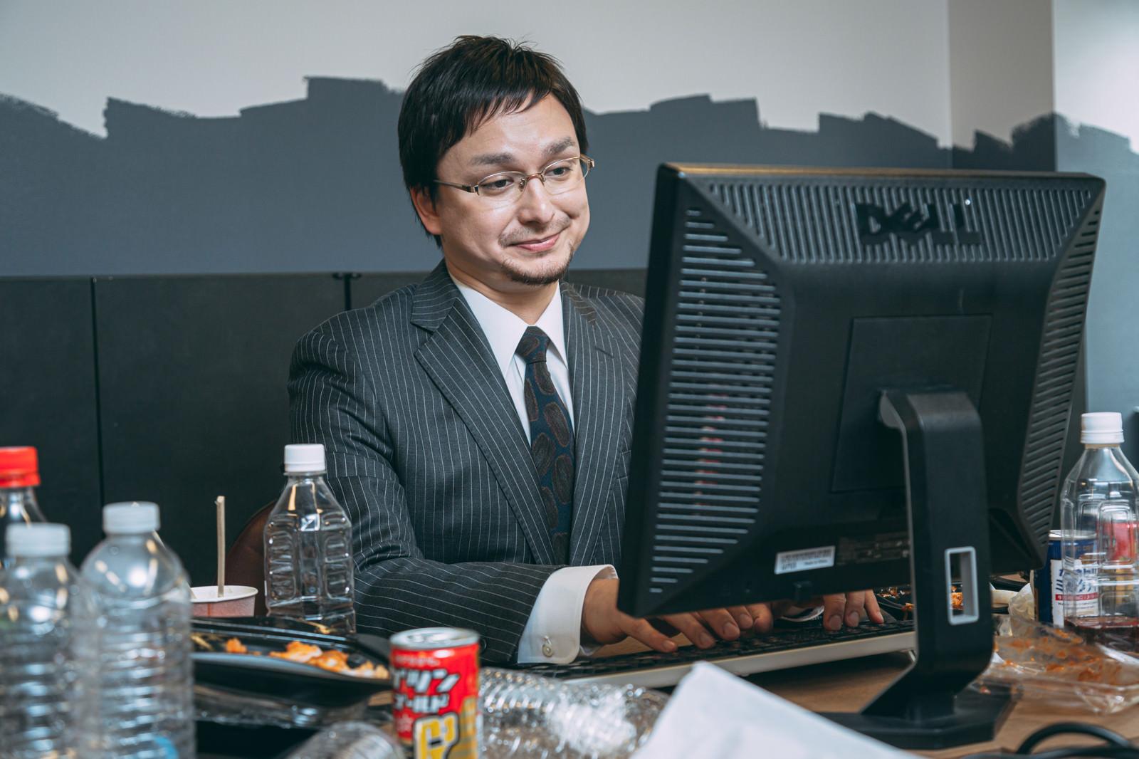 「後でスタッフが美味しくいただきましたの担当者」の写真[モデル:Max_Ezaki]
