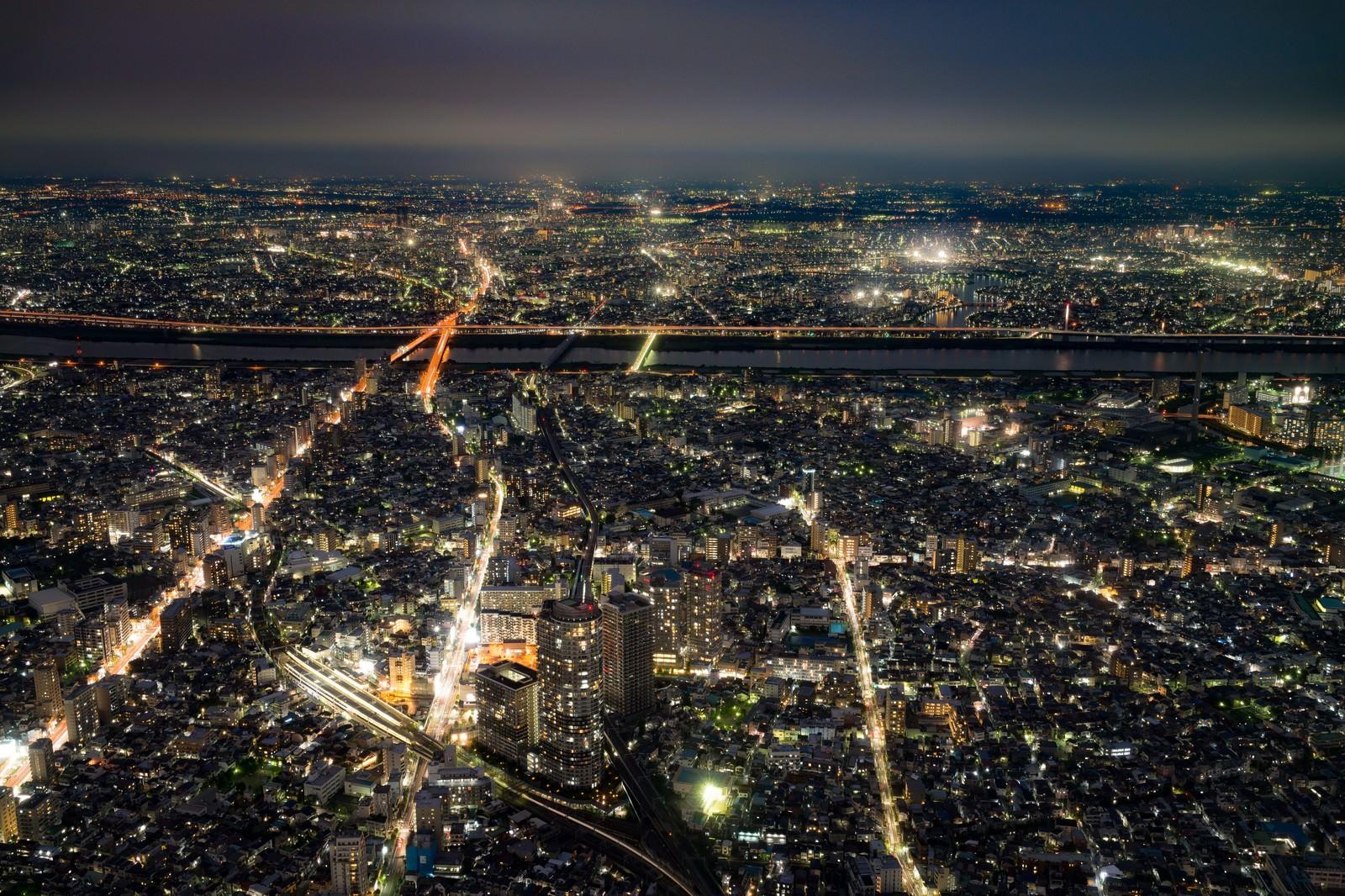 「街並みの夜景」の写真