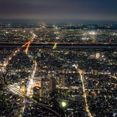 「街並みの夜景」の写真素材
