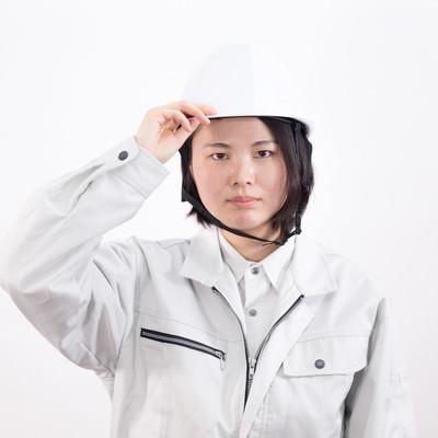頭部を守るヘルメットのフリー素材
