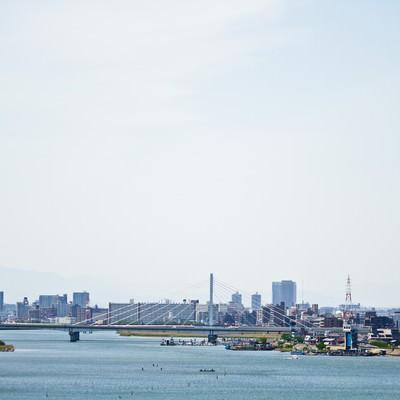 「多摩川と街並み」の写真素材