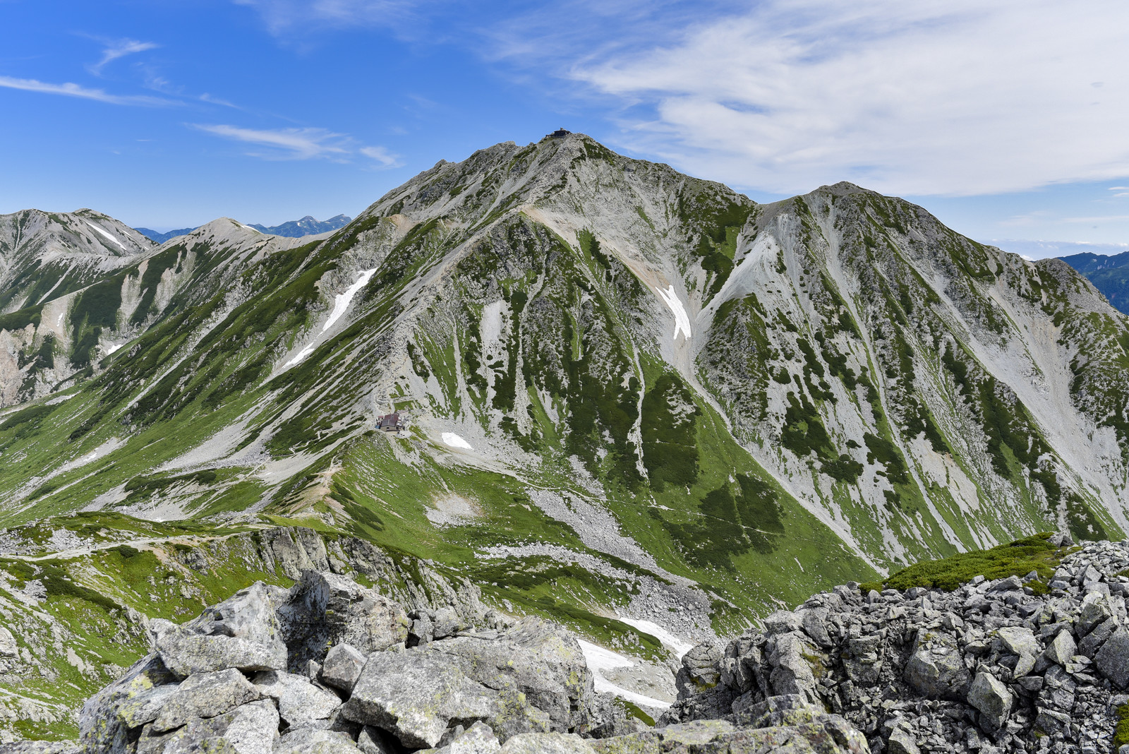 「浄土山から見る立山雄山(立山)」の写真