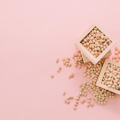 「節分用の豆」の写真素材