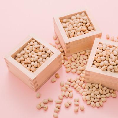 「節分の日(立春)の豆まき」の写真素材