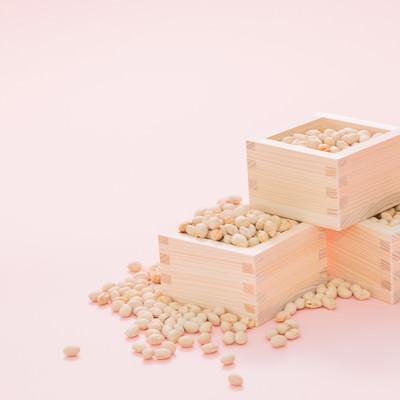 「節分と言えば豆まき」の写真素材