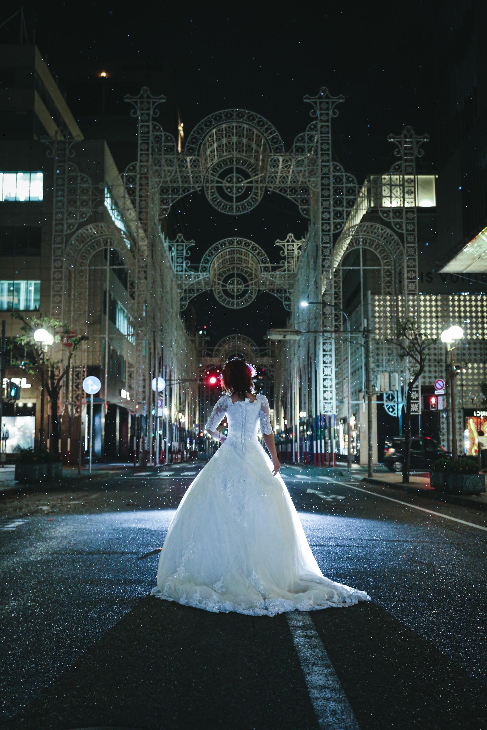 鎮魂の神戸ルミナリエ(25年目の神戸淡路大震災の追悼と復興)のフリー素材