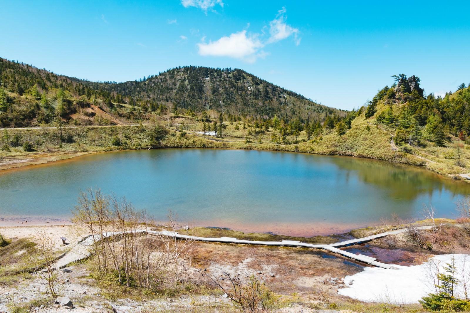 「静寂な弓池(白根山)」の写真