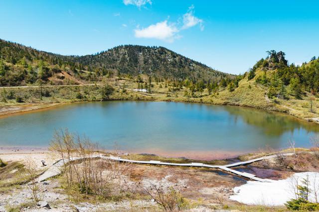 静寂な弓池(白根山)の写真