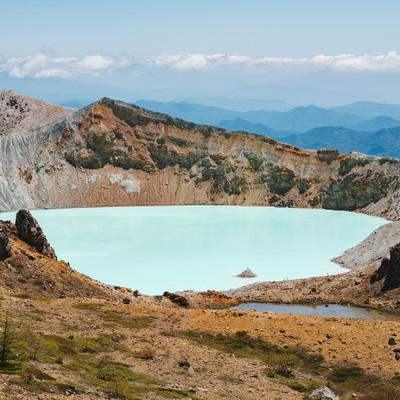 「草津白根山の湯釜」の写真素材