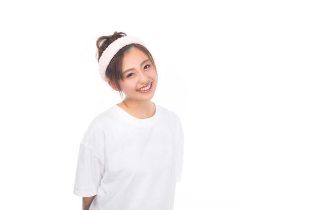 洗顔前の女性の写真