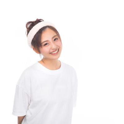 「洗顔前の女性」の写真素材