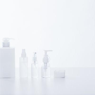 「化粧水などのボトル」の写真素材