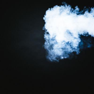 濃い煙が噴射されたの写真