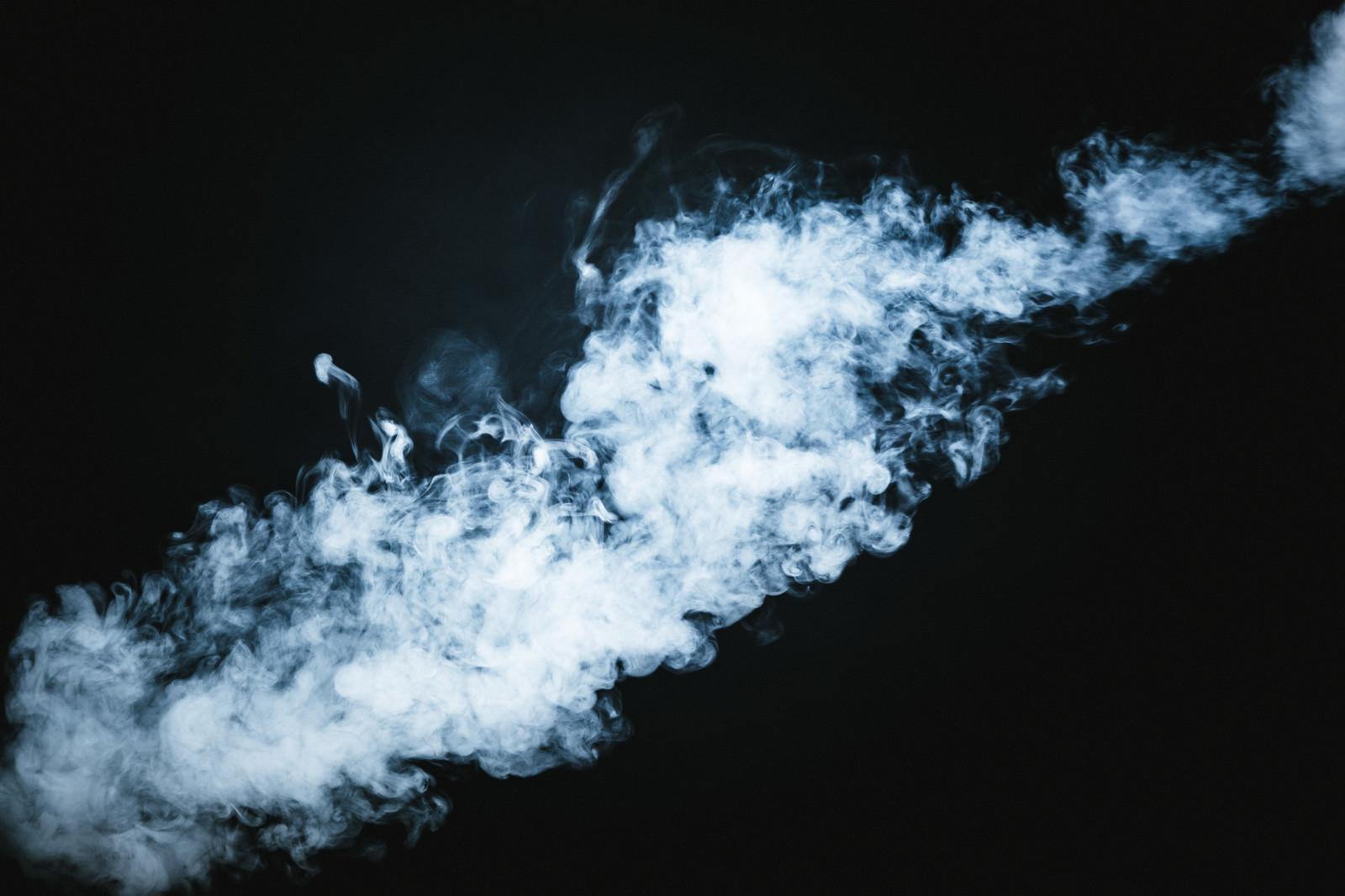 「流れる煙」の写真