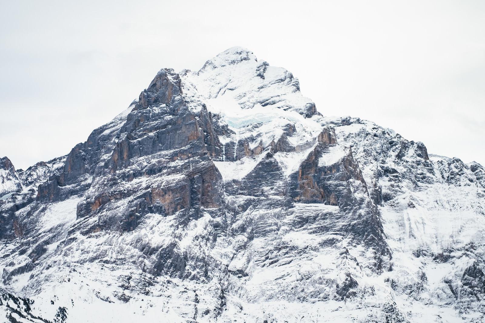 「雪が積もるフィルスト(スイス)」の写真