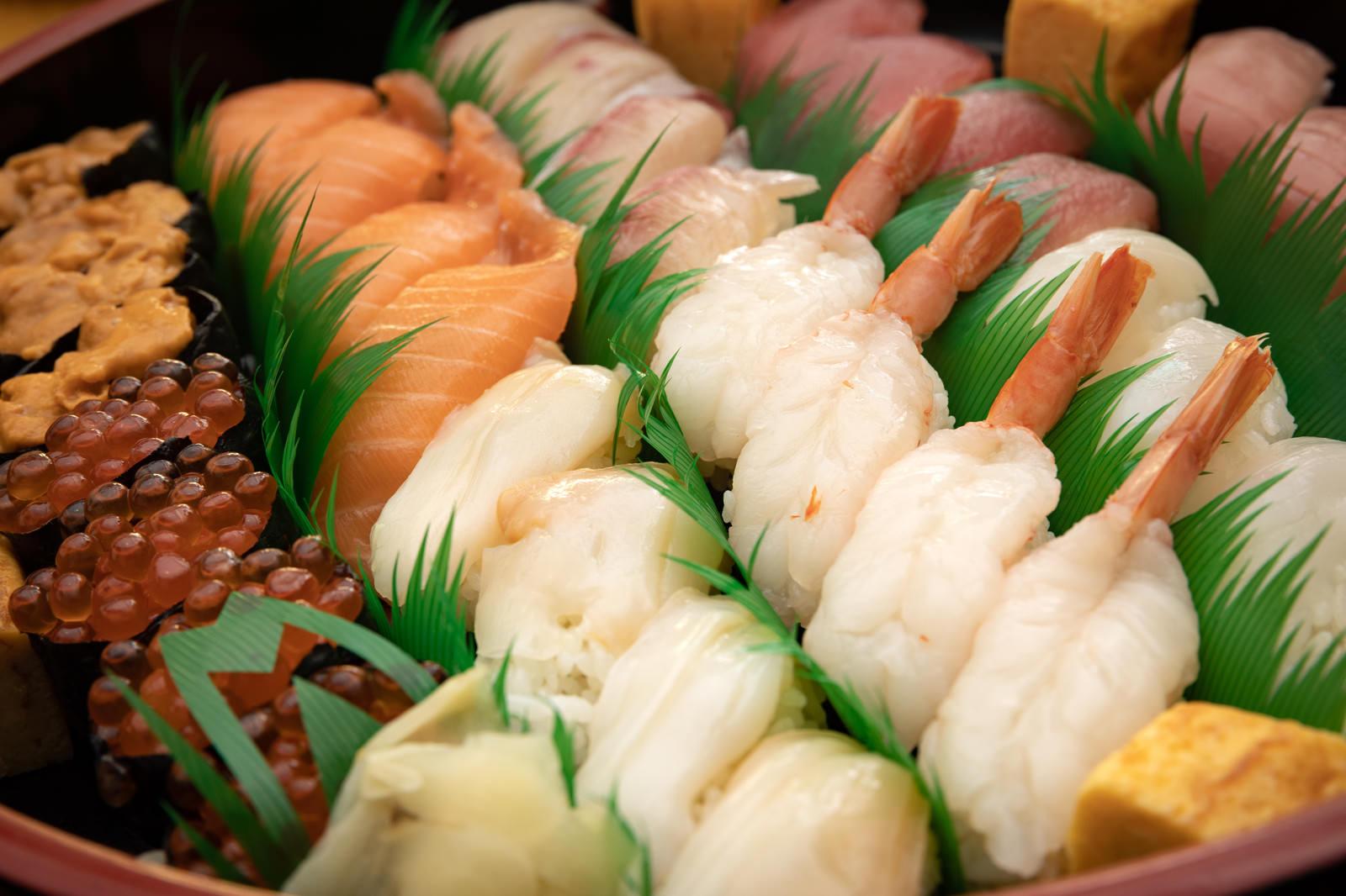 「出前のお寿司」の写真
