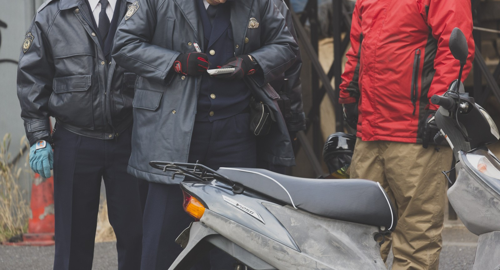 「警察から不審車両(バイク)で質問を受ける」の写真