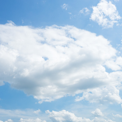 「雲と青空の様子」の写真素材