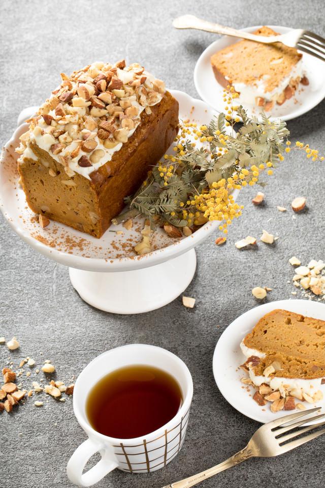 紅茶とにんじんケーキの写真