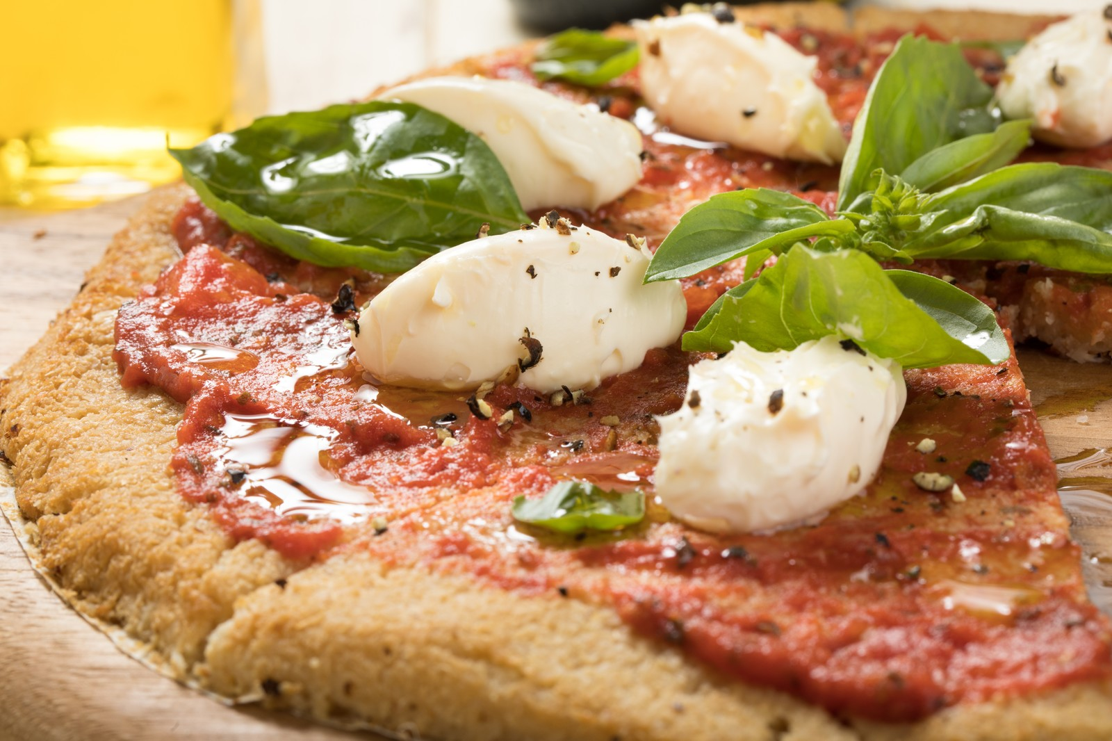 「トマトソースのカリフラワーピザ」の写真