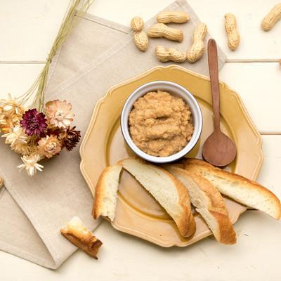 「和物にもちょうどいいお手軽なピーナッツバター」の写真素材