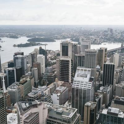 立ち並ぶビル(高層階から)の写真