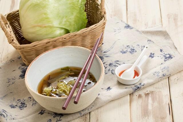 レタスで作るうま味スープの写真