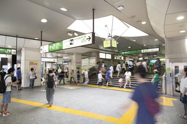 高田馬場駅改札の写真