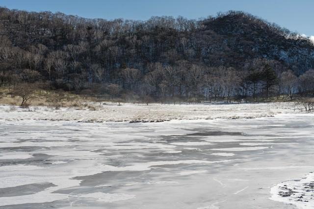 赤城山覚満淵(かくまんぶち)の雪と風の写真